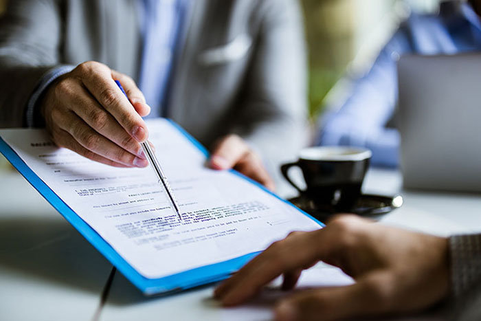 Características del contrato de trabajo